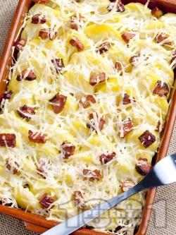 Запечени картофи със сирене, шунка и кашкавал - снимка на рецептата